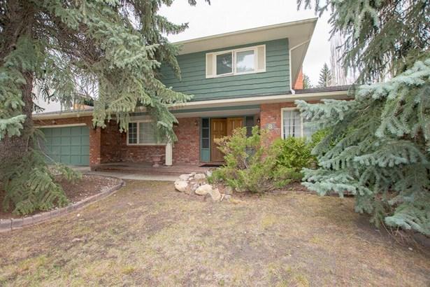 8 Eagle Ridge Pl Sw, Calgary, AB - CAN (photo 4)