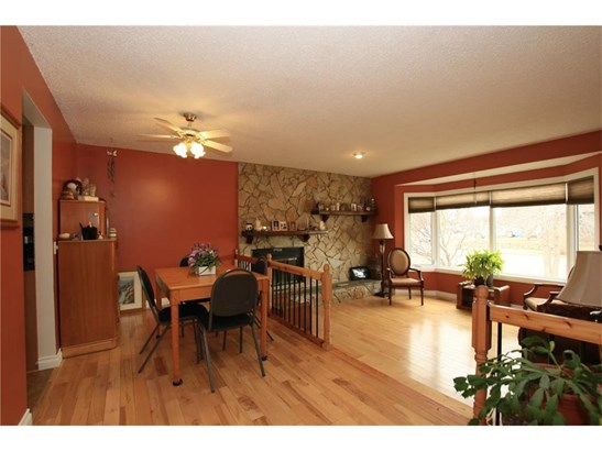 511 Madison Dr, Irricana, AB - CAN (photo 2)