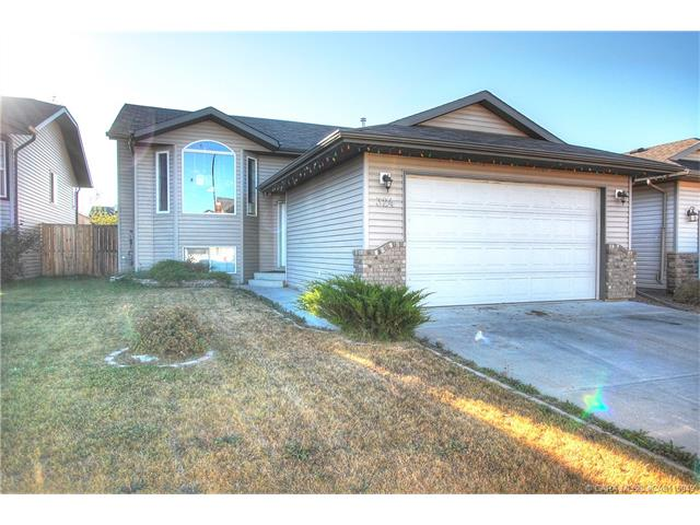 324 Jenner  Cres, Red Deer, AB - CAN (photo 1)