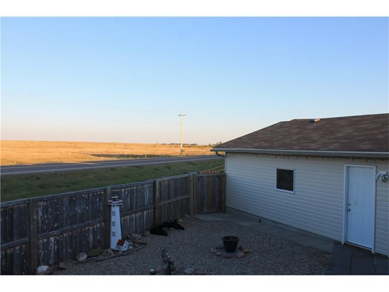 205 Strathaven Ba, Strathmore, AB - CAN (photo 2)
