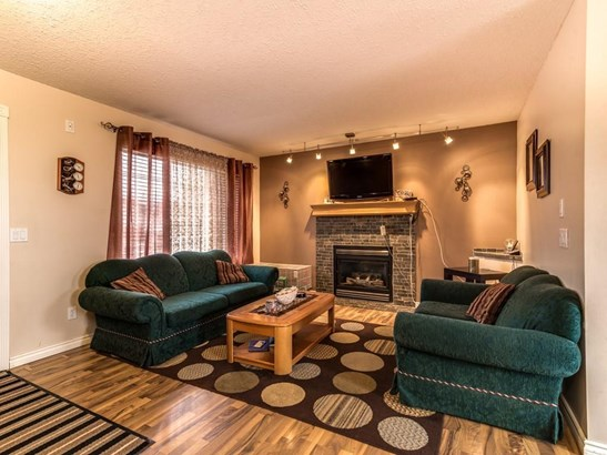 205 Strathaven Ba, Strathmore, AB - CAN (photo 4)