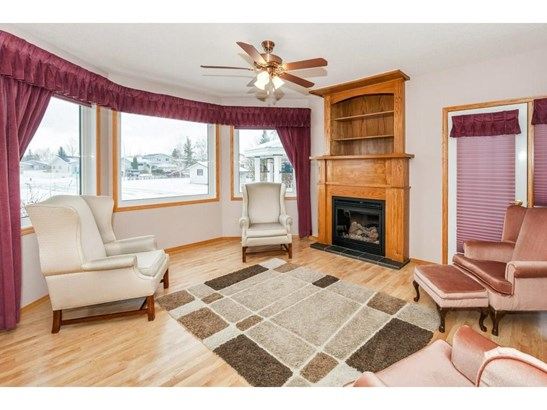 97 Beech Cr, Olds, AB - CAN (photo 4)