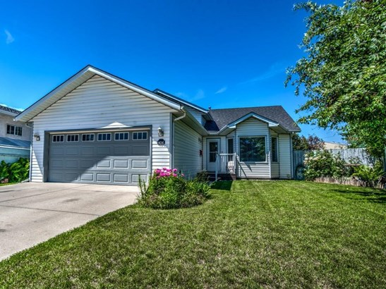 106 Thistle Ba, Strathmore, AB - CAN (photo 1)