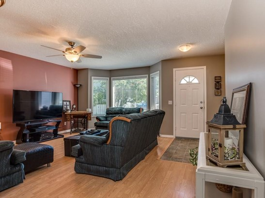 106 Thistle Ba, Strathmore, AB - CAN (photo 4)
