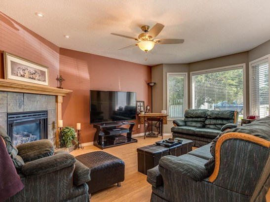 106 Thistle Ba, Strathmore, AB - CAN (photo 5)