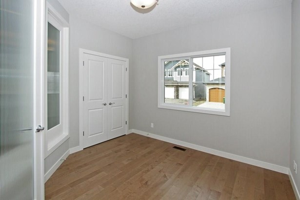 103 Kinniburgh Ln, Chestermere, AB - CAN (photo 2)