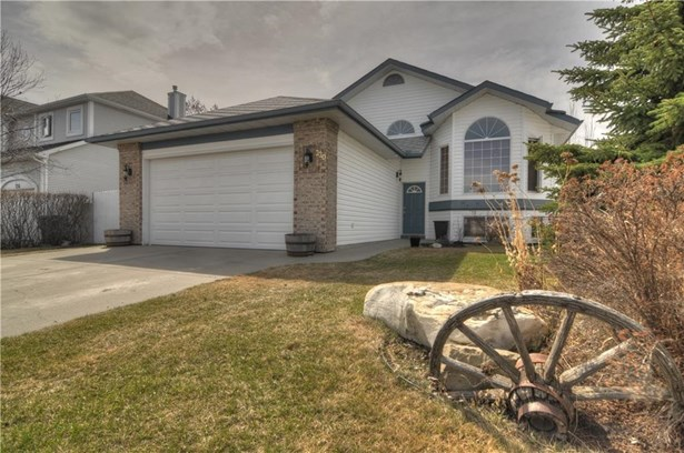 220 Harrison, Crossfield, AB - CAN (photo 1)