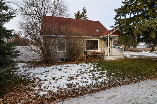 4102 51a  St, Red Deer, AB - CAN (photo 4)