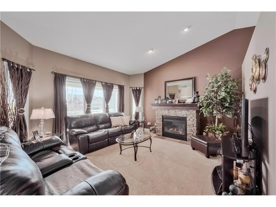 1003 Carriage Lane Dr, Carstairs, AB - CAN (photo 4)