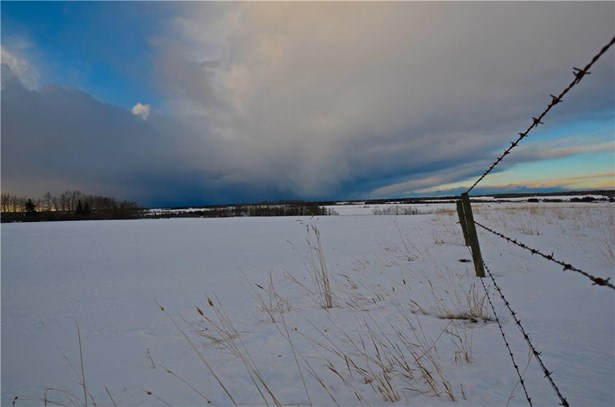 Sundre, AB - CAN (photo 3)