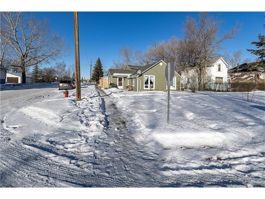 213 Aberdeen St, Blackie, AB - CAN (photo 4)