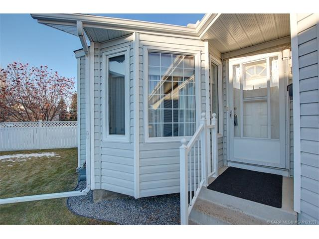 191 Doran  Cres, Red Deer, AB - CAN (photo 4)
