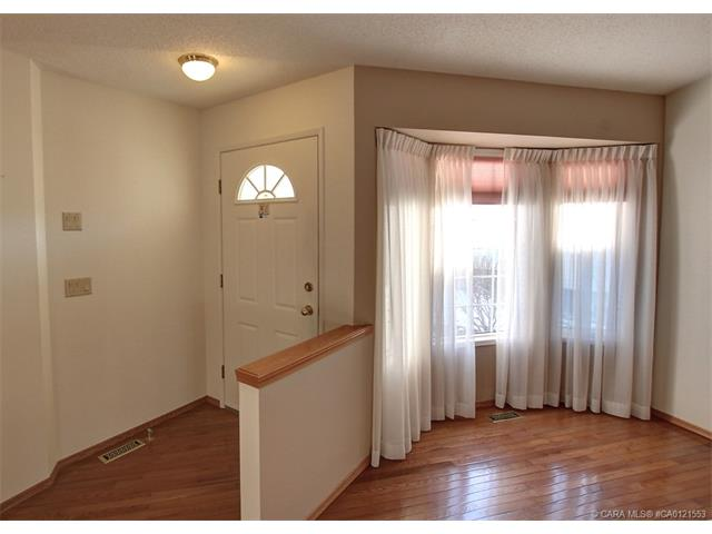 191 Doran  Cres, Red Deer, AB - CAN (photo 5)