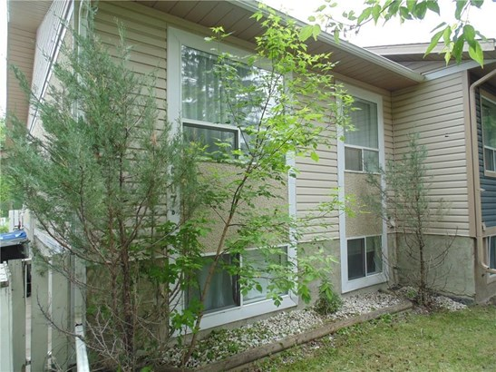 #507b  Centre St N, Sundre, AB - CAN (photo 3)