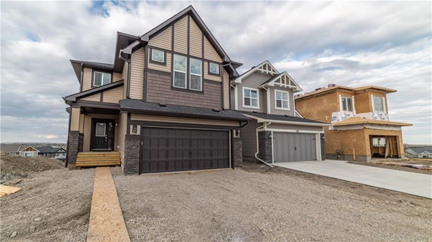 287 Hillcrest Ht Sw, Airdrie, AB - CAN (photo 2)