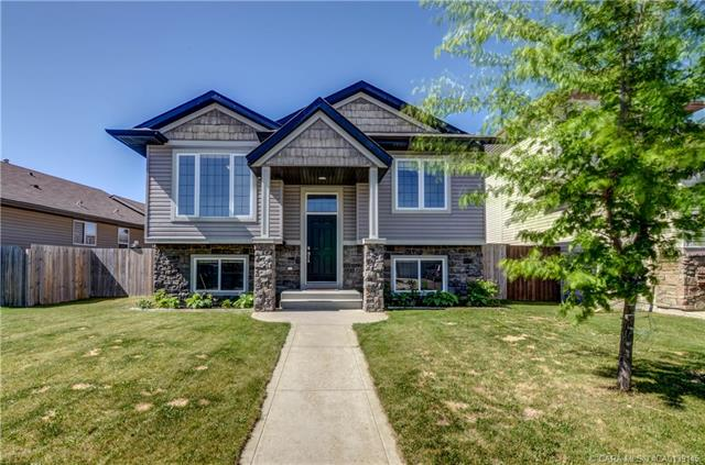 27 Wiley  Crescent, Red Deer, AB - CAN (photo 1)