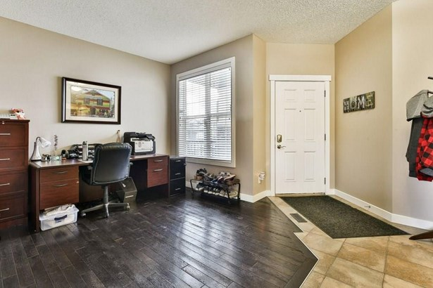578 Coopers Dr Sw, Airdrie, AB - CAN (photo 3)