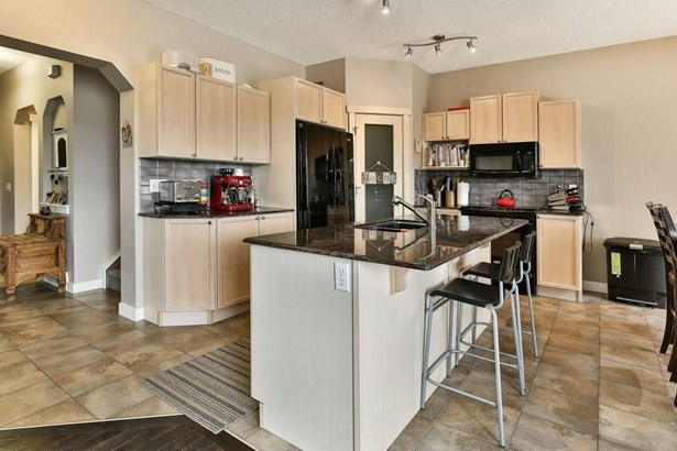 578 Coopers Dr Sw, Airdrie, AB - CAN (photo 5)