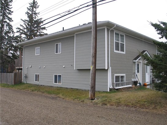 4838 48 St, Olds, AB - CAN (photo 1)