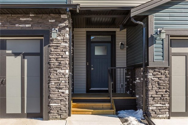 #602 110 Coopers Cm, Airdrie, AB - CAN (photo 2)