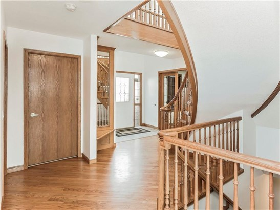 192 Woodside Cr, Airdrie, AB - CAN (photo 3)