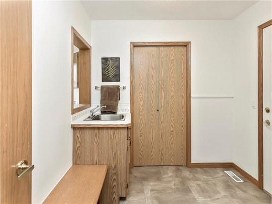192 Woodside Cr, Airdrie, AB - CAN (photo 5)