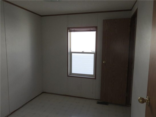#27 900 Ross St, Crossfield, AB - CAN (photo 5)