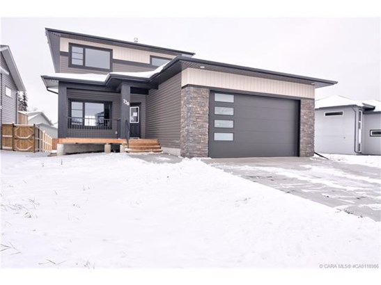 738 Cypress  Lane, Springbrook, AB - CAN (photo 1)