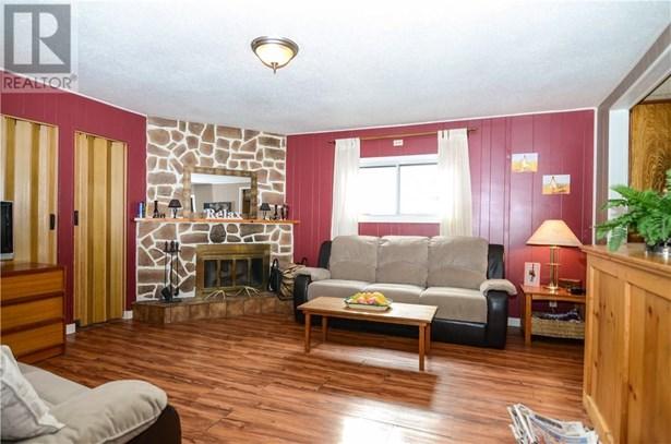 5124 50  Ave, Sylvan Lake, AB - CAN (photo 1)