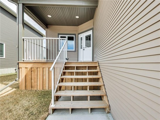 23 Vincent Cr, Olds, AB - CAN (photo 3)