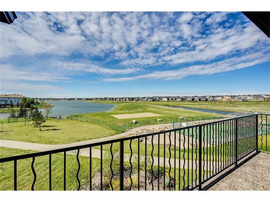 159 Cove Cl, Chestermere, AB - CAN (photo 4)