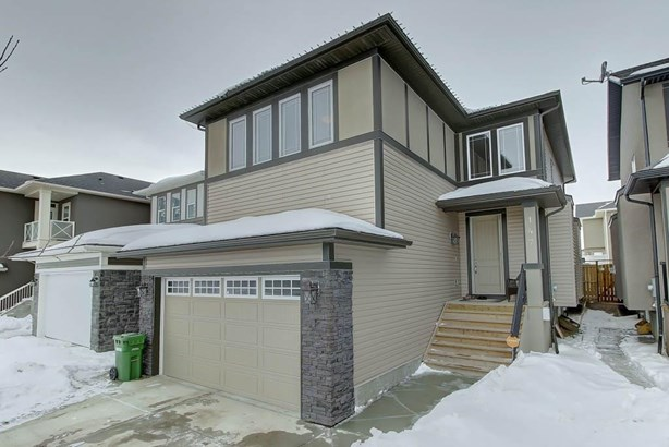 147 Bayview St Sw, Airdrie, AB - CAN (photo 1)