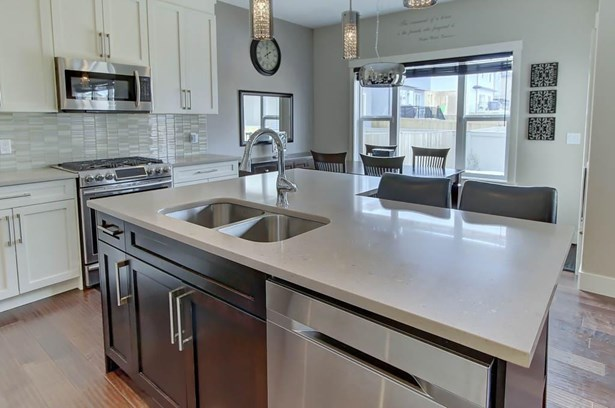 147 Bayview St Sw, Airdrie, AB - CAN (photo 3)