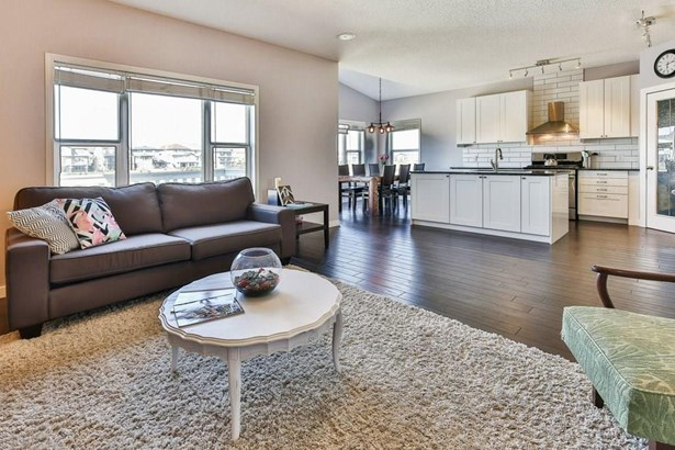 206 Sagewood Gv Sw, Airdrie, AB - CAN (photo 3)