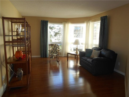 316 Waterstone Pl, Airdrie, AB - CAN (photo 2)