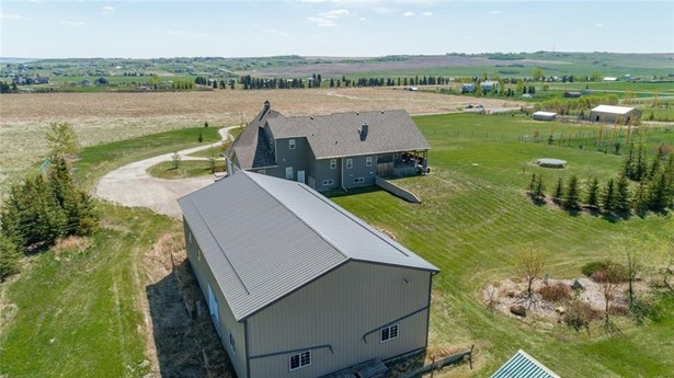387200 2 St W, Rural Foothills M.d., AB - CAN (photo 4)