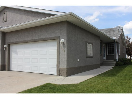 126 Riverside Cr Nw, High River, AB - CAN (photo 1)