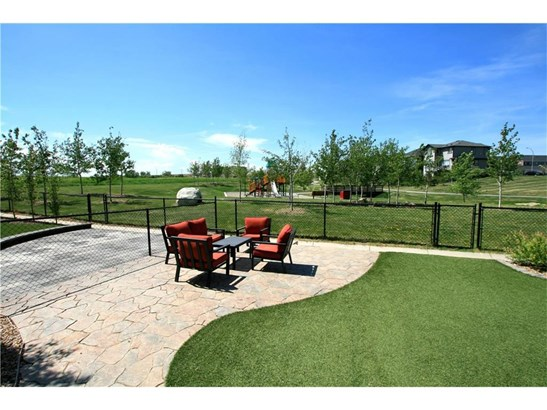 79 Bayview St Sw, Airdrie, AB - CAN (photo 2)