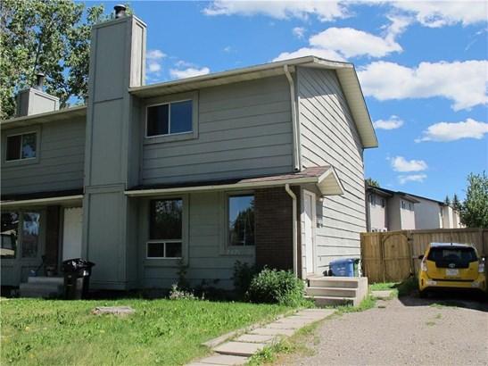 2421 146 Av Se, Calgary, AB - CAN (photo 1)