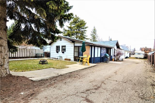 5124 50  Ave, Sylvan Lake, AB - CAN (photo 3)
