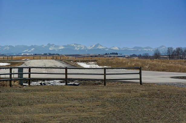 8 Tiki Ranch Pl W, Rural Foothills M.d., AB - CAN (photo 3)