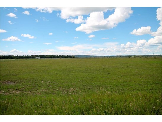 Sundre, AB - CAN (photo 2)