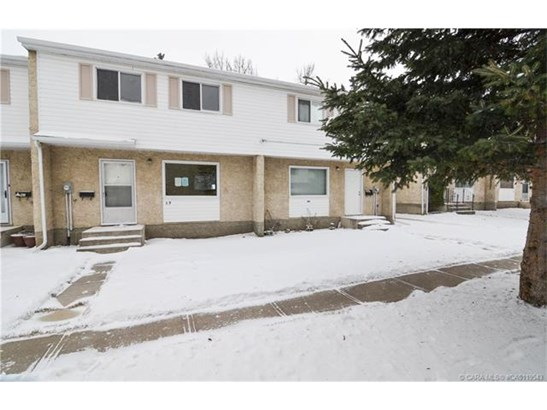 35 Nash  St, Red Deer, AB - CAN (photo 1)