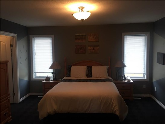 #107  Sierra Place, Olds, AB - CAN (photo 5)