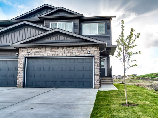 1225 Westmount Dr, Strathmore, AB - CAN (photo 3)