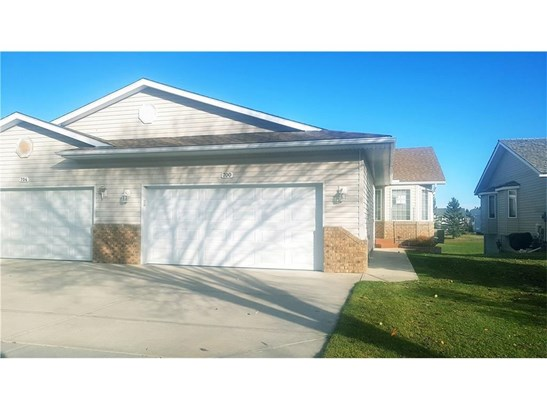 700 Riverside Dr Nw, High River, AB - CAN (photo 1)