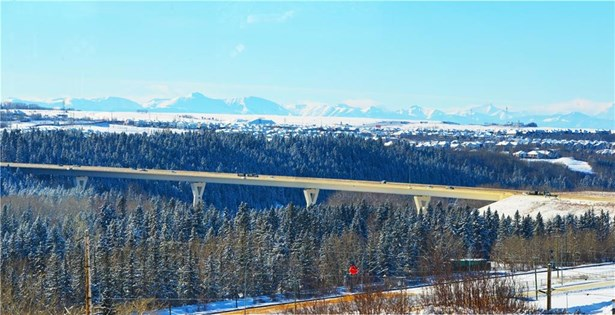 408 Silver Valley Bv Nw, Calgary, AB - CAN (photo 2)