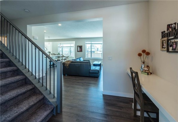 1739 Baywater Vw Sw, Airdrie, AB - CAN (photo 5)