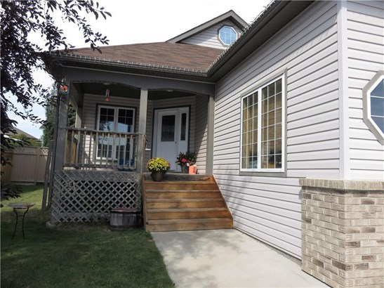 1332 25 St, Didsbury, AB - CAN (photo 2)