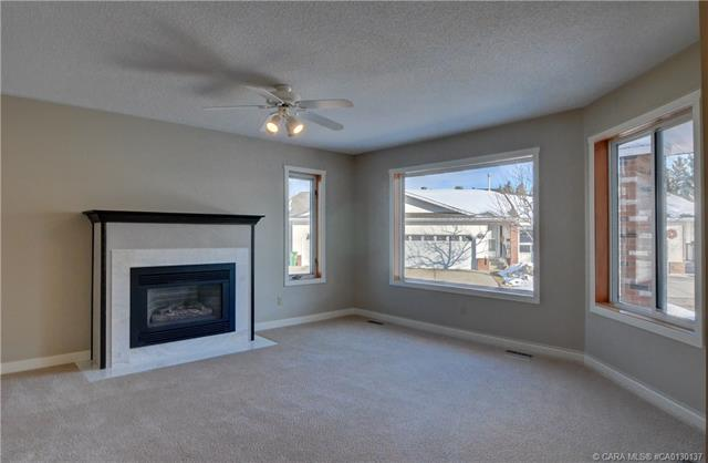 2821 Botterill  Cres, Red Deer, AB - CAN (photo 4)